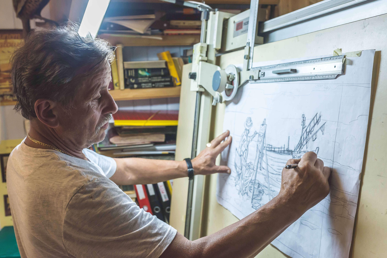 """Intarcja 4 1 - Zenon Pląskowski. An artist who """"paints"""" in wood"""
