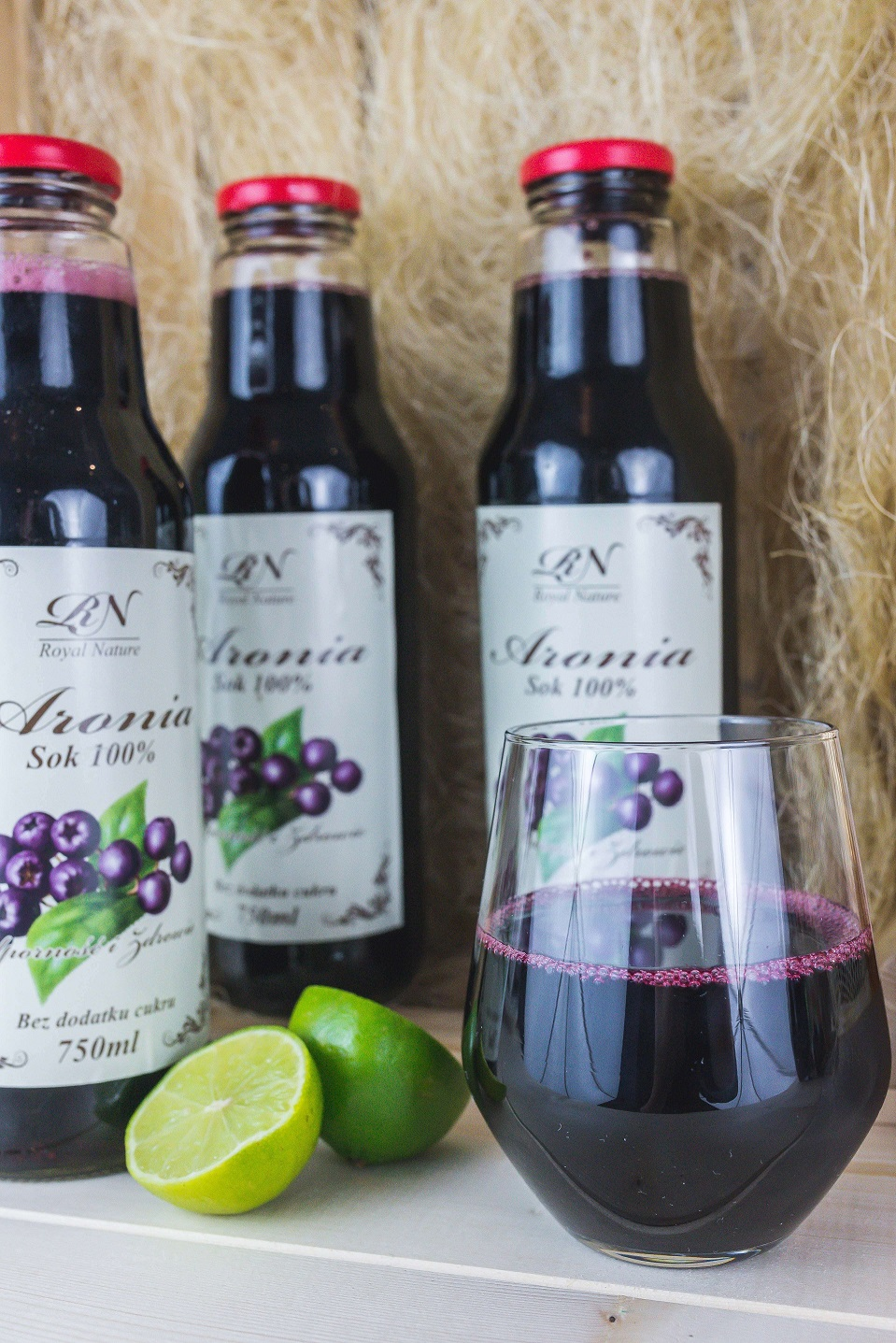 Aronia Nature 3 1 - Royal Nature and the chokeberry elixir of life