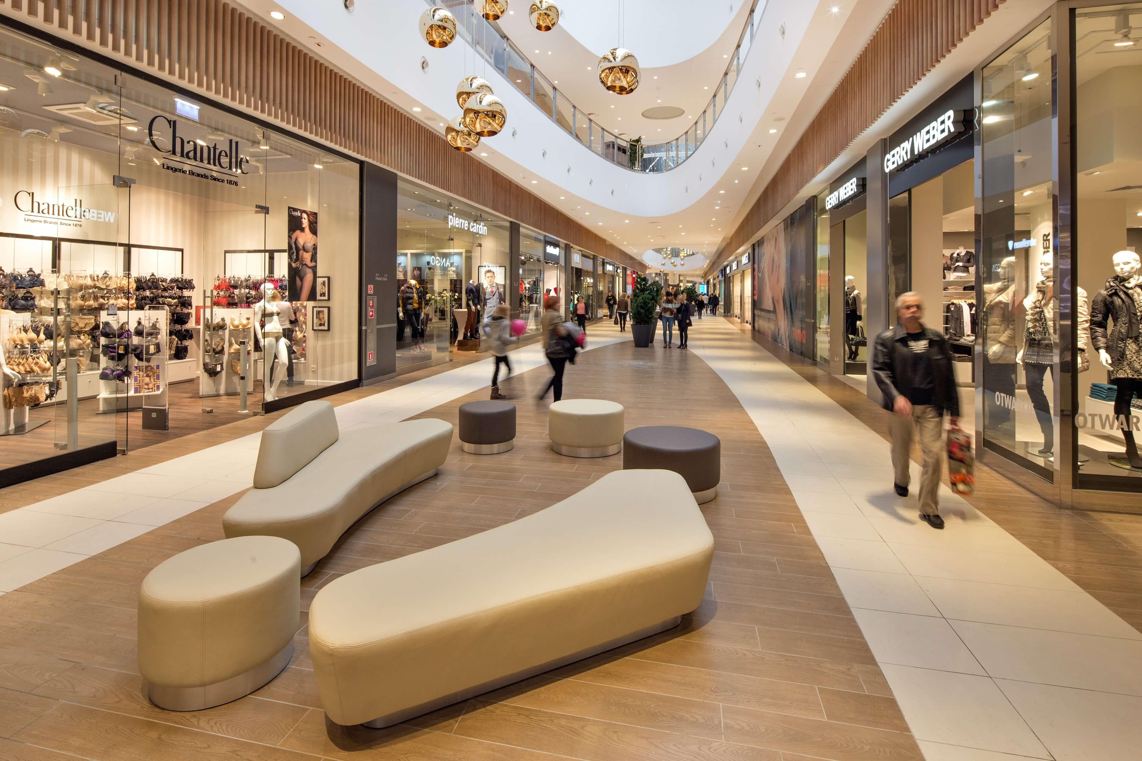Riwiera1 - Przedświąteczne szaleństwo zakupów tylko w trójmiejskich centrach handlowych