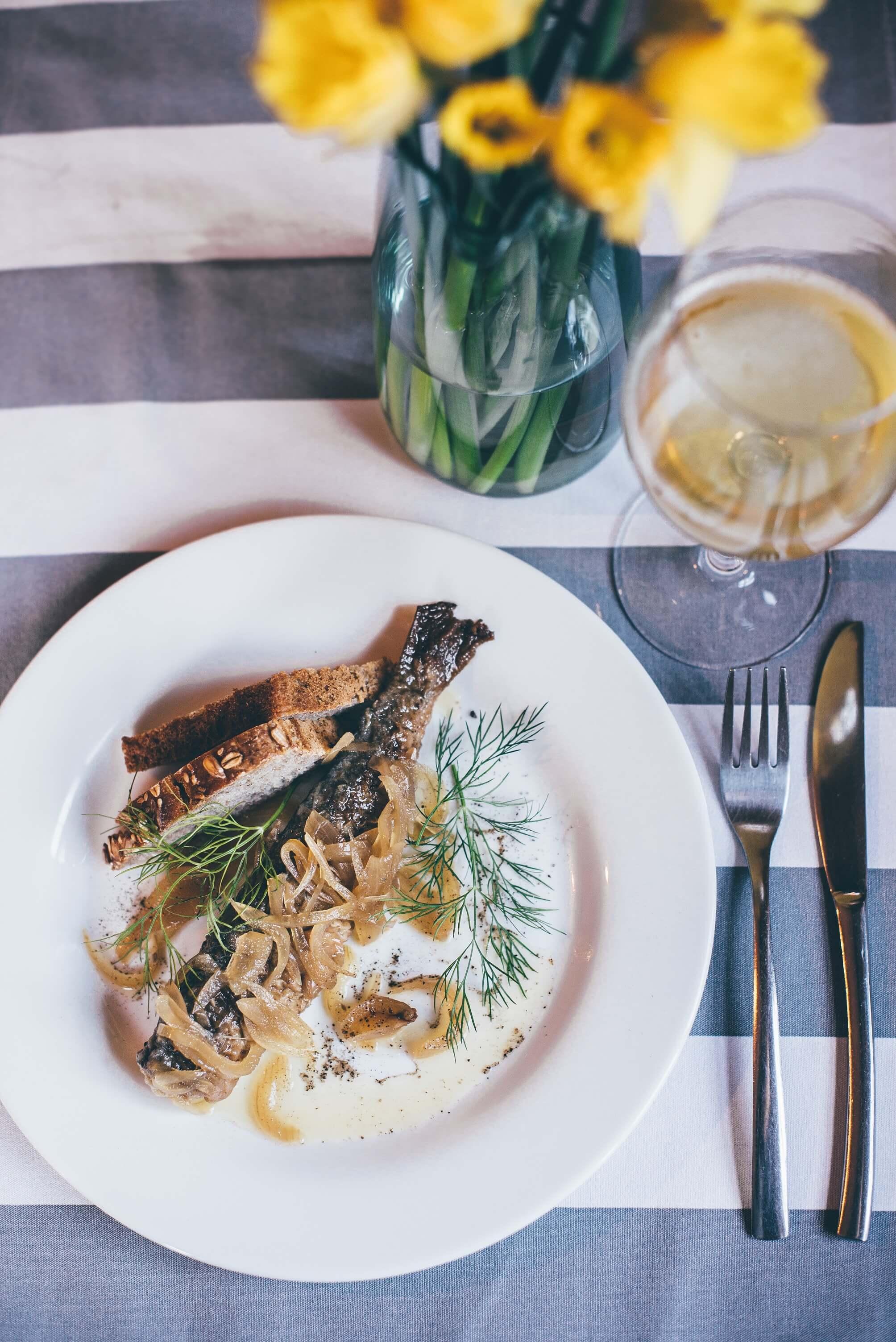 Śledź w Restauracji Tabun w Otominie