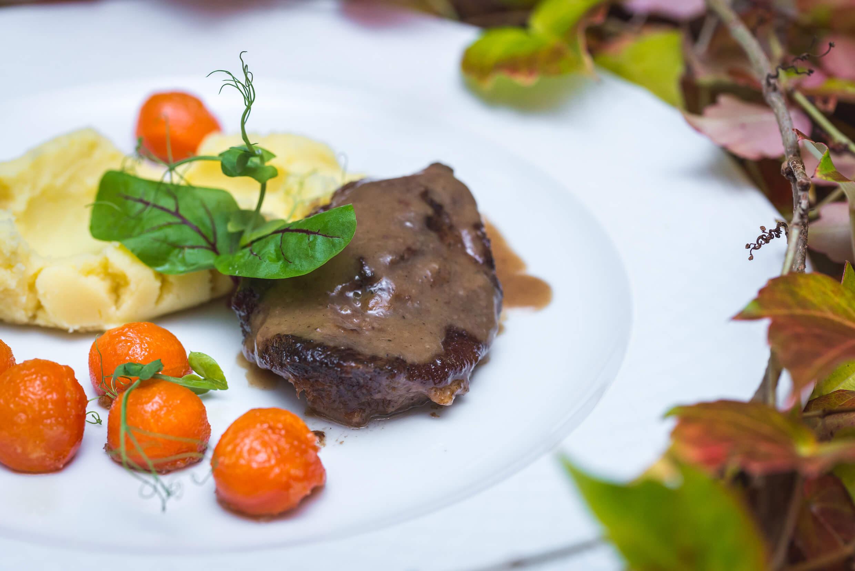 Zamek Krokowa 5 - Restauracja Zamku Krokowa. Kulinarne dziedzictwo w XXI wieku