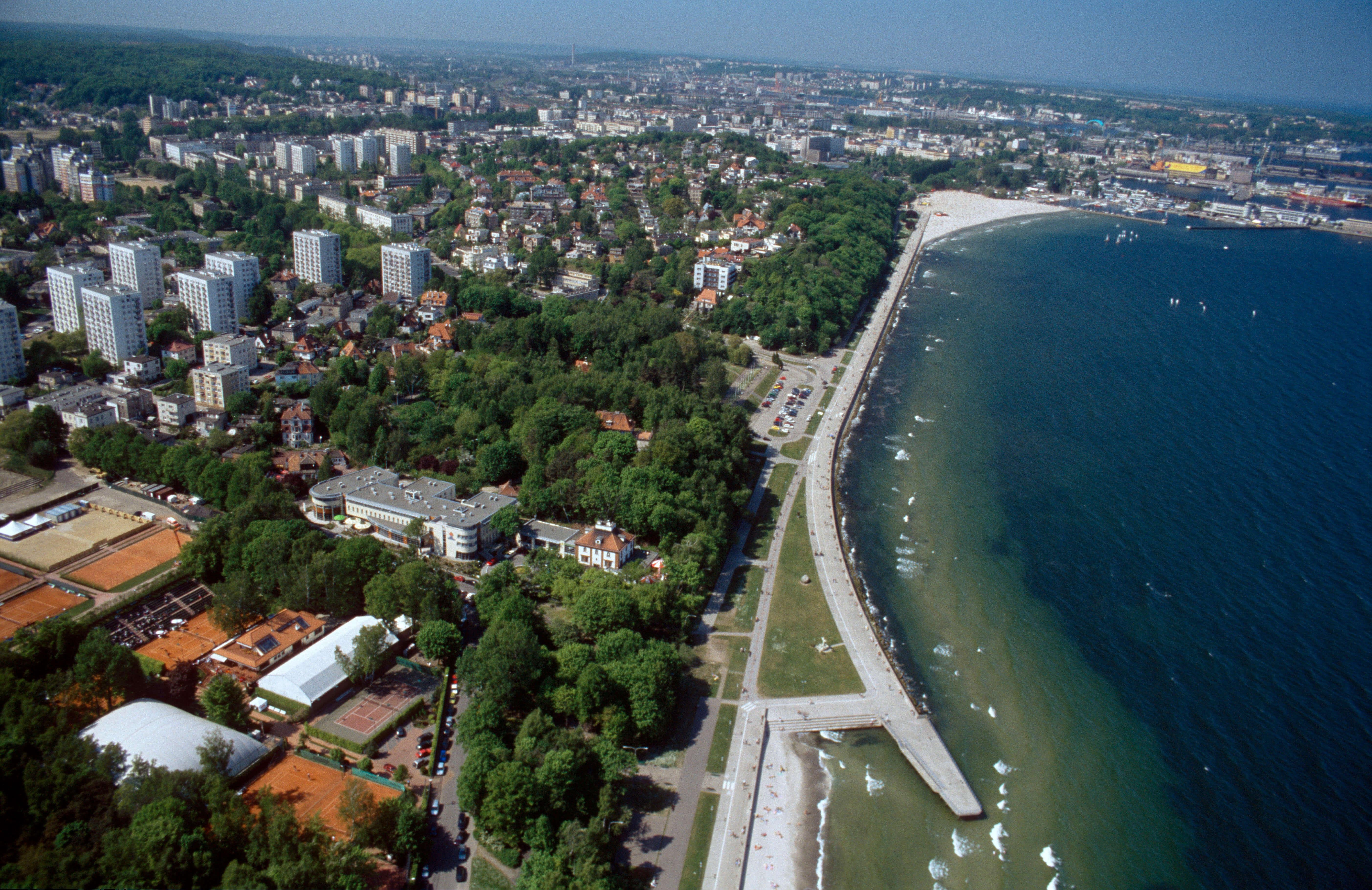 Gdynia rynek rosyjski - Gdynia: miasto sklepów i portowej kuchni