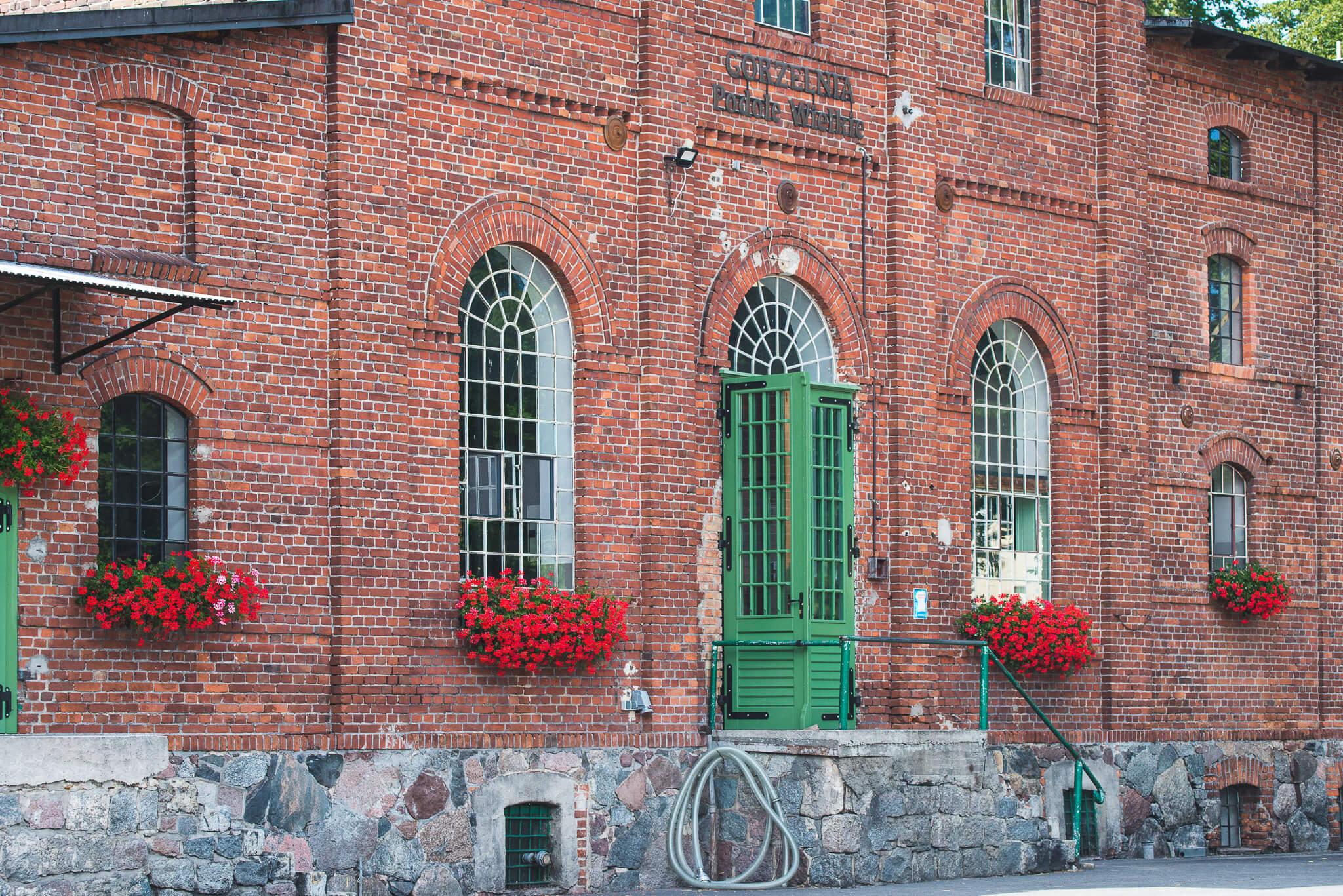 Gorzelnia Podole Wielkie 12 1 - Podole Wielkie. A distillery found on tradition
