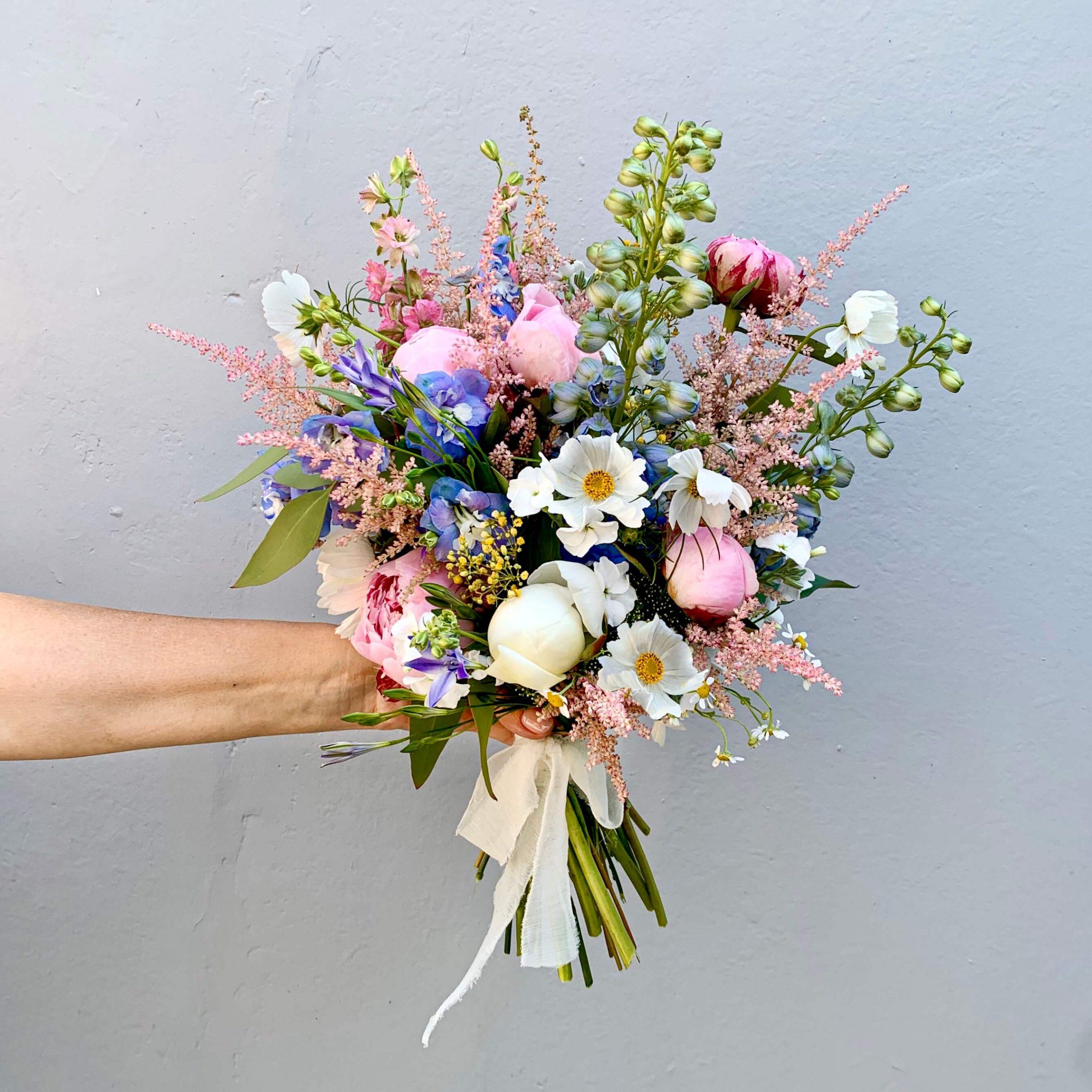Narcyz Kwiaciarnia Gdansk scaled - Dzień Kobiet. Gdzie kupimy piękne bukiety?