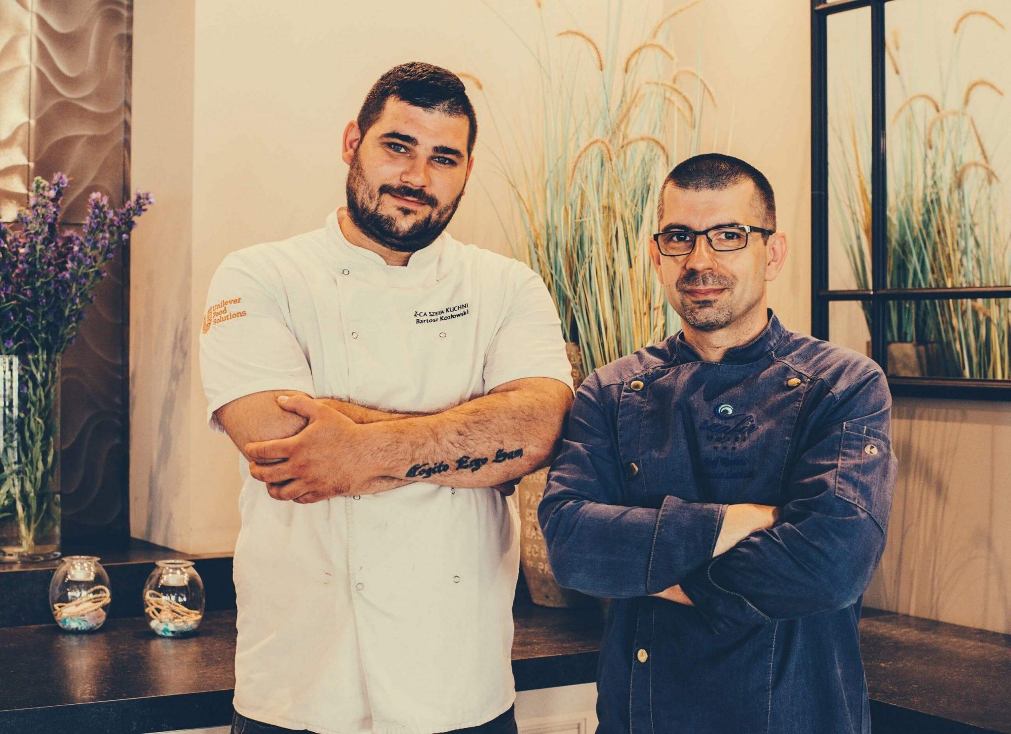 Szef kuchni w restauracji Lazurowej